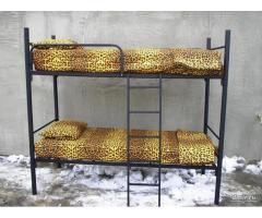 Трехъярусные железные кровати